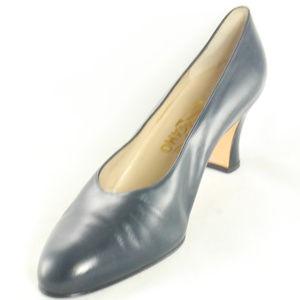 NEW Salvatore Ferragamo Dark Blue Pump Heels